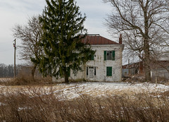 Michael Soth House — Harlan Township, Warren County, Ohio (Pythaglio) Tags: house dwelling residence historic twostory abandoned farmhouse vacant threebay cubeshaped cubic hiproof metal chimneys 66windows painted shutters trabeateddoorway sidelights transom trees barn cars outbuildings field farmland warrencounty harlantownship ohio pleasantplain michaelsoth