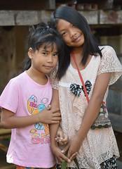 friends (the foreign photographer - ฝรั่งถ่) Tags: two girls children preteen khlong thanon portraits bangkhen bangkok thailand nikon d3200
