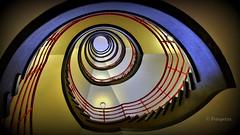 Treppenauge von unten (petra.foto busy busy busy) Tags: hamburg sprinkenhof kontorhaus vonunten treppe treppenhaus stairs fotopetra 5dmarkiii germany vignette architektur design geometrisch auge treppenauge