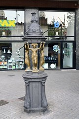 FONT WALLACE (GRAN VIA DE LES CORTS CATALANES - CARRER MARINA) (Yeagov_Cat) Tags: 2019 barcelona catalunya granviadelescortscatalanes carrermarina font fontwallace wallace 1872 charlesalebourg sirrichardwallace