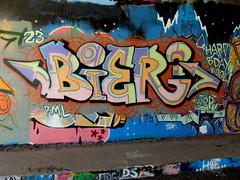 Mssls (oerendhard1) Tags: graffiti streetart urban art rotterdam oerendhard maassluis bier