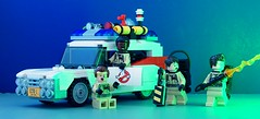 On the job (Hobbestimus) Tags: lego ghostbusters ecto1 petervenkman winstonzeddemore raystanz egonspengler moc 80s movie toys