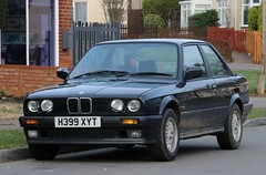 H399 XYT (Nivek.Old.Gold) Tags: 1990 bmw 320i se 2door firstfront london