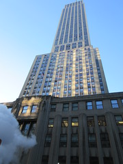 2019 View of the Empire State Building 5th Ave NYC 1915 (Brechtbug) Tags: empire state building seen fifth avenue near 34th st nyc 2019 5th ave new york city thirty fourth street entrance exterior 02162019 skyline looking west february winter