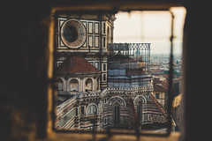 Watcher of the skies watcher of all (.KiLTRo.) Tags: kiltro it italy italia florence firenze cathedralofsantamariadelfiore cathedral church art architecture dome roof city dawn basilica green pink white marble piazzadelduomo tuscany structure tower history