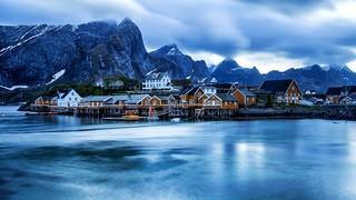 Norway - Lofoten-islands-morning-sunrise-cloudy-weather