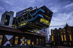 Düsseldorf0152Zollhafen (schulzharri) Tags: düsseldorf nrw deutschland germany europa europe architektur architecture glas modern haus building himmel gebäude wasser fluss stadt