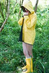 Friesennerz flasher in the woods (44 pics) (sexyrainwear_dot_online) Tags: raincoat rainjacket rainmac rainwear raingear regenmantel regenjacke regnjakke regnjacka sadetakki ciré cire imper imperméable impermeable chubasquero capadechuva レインコート 비옷 regntøj rubberboots rainboots gummistiefel wellies