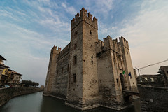 sirmione (marco_brst) Tags: sirmione lazise castle amazing altoadige sky history architecture italy veneto