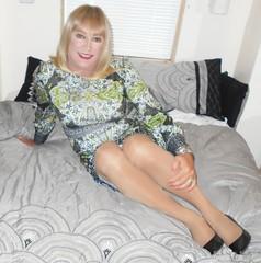 DSCN1781_pp (DianeD2011) Tags: crossdresser cd crossdress crossdressing stockings tg tranny transvestite tgirl tgurl pantyhose