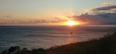 Hawaiian  Islands .. (Mr. Happy Face - Peace :)) Tags: hawaii sun cloud sky seashore pacific ocean art2019 evening sunset love maui sailing glow mood atmosphere tranquility peace usa nwn crazytuesday crazylight
