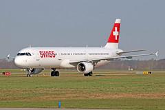 Airbus A321-111 - HB-IOH - HAJ - 02.04.2019(1) (Matthias Schichta) Tags: haj hannoverlangenhagen eddv flugzeugbilder planespotting swiss airbus a321100 hbioh