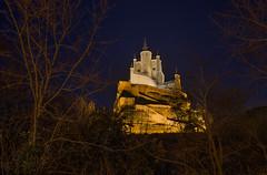 El Alcazar. (Amparo Hervella) Tags: segovia alcazar españa spain paisaje noche nocturna árbol edificio cielo largaexposición d7000 nikon nikond7000