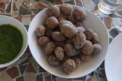 "Papas arrugadas (= ""Runzelkartoffeln"") con Mojo verde (multipel_bleiben) Tags: essen zugastbeifreunden kartoffeln dip sose vegetarisch kräuter spanisch"