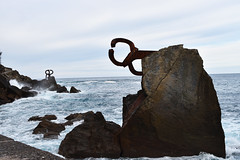 Peine del Viento (manon.sln) Tags: peine del viento san sebastian spain pais vasco eduardo chillida mer vague nikon houle rocher côte