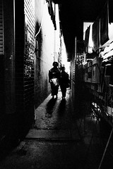 alley 577 (soyokazeojisan) Tags: japan osaka city alley bw blackandwhite analog olympus m1 om1 21mm film trix kodak memories 1970s