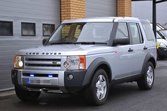 Unmarked Land Rover Discovery (S11 AUN) Tags: cleveland police land rover discovery v8 se unmarked 999 emergency vehicle