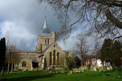 St Marys in Aylesbury (cycle.nut66) Tags: sky clouds bright light sunlight 2019 classic st marys church aylesbury grass green beech tree spring