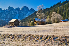 December frost in Gosau (echumachenco) Tags: frost snow winter december landscape outdoor sky blue hill hillside slope field grass wood tree forest hut house building mountain mountainside mountains mountainrange rock pinnacle peak summit crest ridge gosaukamm alps upperaustria oberösterreich salzkammergut gosau austria österreich nikond3100