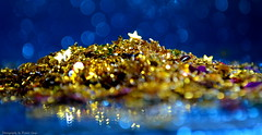 Glitter (Ronnie Gaye) Tags: glitter gold sparkles macromondays firstletterofmysurname