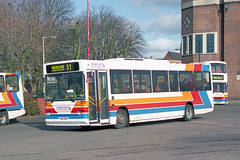 432 - 402 DCD (Solenteer) Tags: sussexcoastlinebuses stagecoachcoastlinebuses 432 402dcd dennis dart plaxton pointer havant gm6631 n979rcd