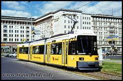 1001-1995-05-21-1-Warschauer Straße (steffenhege) Tags: berlin bvg strasenbahn streetcar tram tramway niederflurwagen aeg gt6n 1001