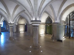 Crypt (JuliaC2006) Tags: rochester crypt cathedral pillars