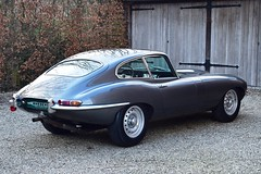 Just in : a dropdead gorgeous Jaguar E-Type 3,8 Litre FHC
