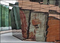 Girl in chrome (Logris) Tags: düsseldorf dusseldorf chrom chrome aluminium facade fassade spiegelung reflection abstrakt abstract