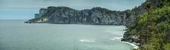 Cap Bon Ami, Parc national Forillon, en Gaspésie (Quebec) (auggie w) Tags: ocean mer plage montagne parcnational nationalpark nature forillon gaspe gaspesie quebec canada atlantic atlantique rocher rock