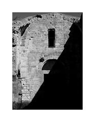 Contrast n. 13 (Franco & Lia) Tags: ittiri sardegna sardinia nostrasignoradipaulis ruderi ruins abbazia contrast contrasto biancoenero blackwhite noiretblanc schwarzundweiss architettura architecture romanico