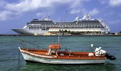 Wanna Race? (Tony Tomlin) Tags: aruba caribbean westindies cruiseship boat harbour