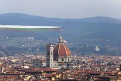 Frecce Tricolore (Peterthelong) Tags: firenze toscana florence tuscany duomo freccetricolore frecce aeronautica italia italy