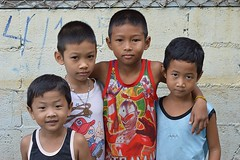 two sets of brothers (the foreign photographer - ฝรั่งถ่) Tags: four boys brothers khlong thanon portraits bangkhen bangkok thailand nikon d3200