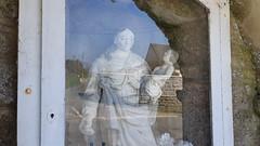 DSCN6142f Montfarville (Manche) (Thomas The Baguette) Tags: barfleur montfarville valdesaire rape colza cotentin manche lamanche lemoulard lasambiere calvaire oratoire crabec moulin