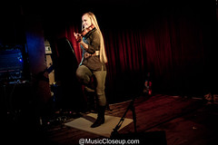 2019-01-28 - Hillary Klug - Green Note -3746 (MusicCloseup) Tags: 2019 20190128 musiccloseup greennote hillaryklug january january2019 london blond blonde concertphotography curtain dancer dancing fiddle fiddler instrument instruments music musicphotography musiccloseupcom musician musicians people red singer velvet violin violinist woman