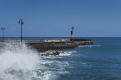 Lanzarote 14042018 688 (Dirk Buse) Tags: arrieta canarias spanien esp canary islands lanzarote meer kai welle gischt struktur einfach blua sonne himmel mft mu43 m43