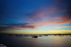 Último atardecer en la isla de Arosa (Ismael Owen Sullivan) Tags: sky sea sun sunset horizont horizonte foto fotografia galicia photography pontevedra isla isladearousa mar nikon nature naturaleza natural nubes batea atlantico atardecer atlantic ocean oceano cielo clouds colors colores color
