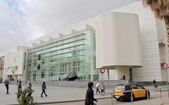 MACBA I (hansn (4+ Million Views)) Tags: museum contemporary art barcelona konst architecture modern arkitektur architect richard meier partners arkitekt spain city