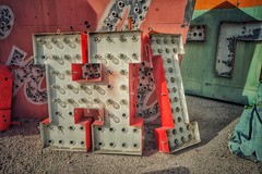 Hi (podolux) Tags: oneword onewordhi 2019 lasvegas lasvegasnv nevada nv neonboneyard neonmuseum sony sonya7 sonyilce7 postprocessing snapseed roadtrip letters sign signs vintagesign word bulbsign