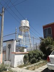 Tanque de agua blanco (py.wvalgacc) Tags: tanquedeagua alturas urbano
