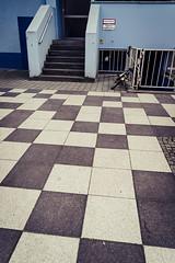 20190408-204 (sulamith.sallmann) Tags: architektur form berlin brunnenviertel demminerstrase deutschland europa gesundbrunnen kariert kästchen mitte muster stufen treppe wedding sulamithsallmann