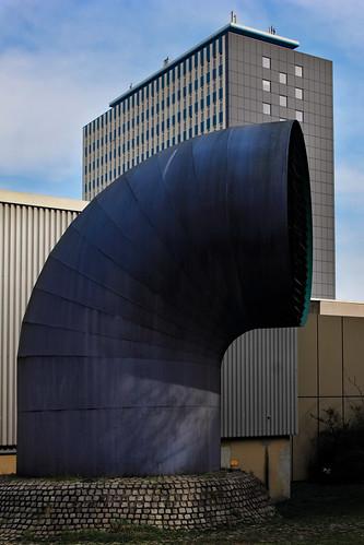 "An der Uni (08) • <a style=""font-size:0.8em;"" href=""http://www.flickr.com/photos/69570948@N04/47554978962/"" target=""_blank"">Auf Flickr ansehen</a>"