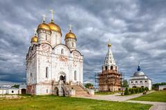 Luzhetsky monastery (Mozhaysk, Russia) (KonstEv) Tags: church monastery russia mozhaysk cathedral orthodox architecture building cross cloud sky grass
