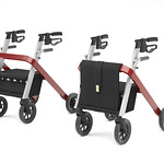 公共利用の歩行補助車の写真