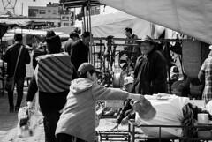 E n t r e   F i e r r o s (EliasIbanez) Tags: art street foto photo arte people streetphotography blackandwhite travel blancoynegro lapaz bolivia