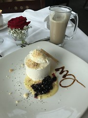 #Lunch at the #Bistro #Cliffhouse (Σταύρος) Tags: cliffhouserestaurant redrose restaurant sanfrancisco icecream blueberries lunch bistro cliffhouse sf city sfist thecity санфранциско sãofrancisco saofrancisco サンフランシスコ 샌프란시스코 聖弗朗西斯科 سانفرانسيسكو ristorante kalifornien californië kalifornia καλιφόρνια カリフォルニア州 캘리포니아 주 cali californie california northerncalifornia カリフォルニア 加州 калифорния แคลิฟอร์เนีย norcal كاليفورنيا