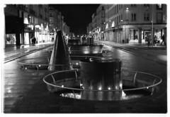 Rue de Siam (ludob2011) Tags: pentax programa smc brest siam bw nb ishootfilm filmisnotdead film kodak tmax xtol 135 35mm finistere bretagne