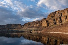 The Golden Cliffs (Mark Griffith) Tags: ancientlakes annual backpacking camping desert dustylake easternwashington overnighter quincy sonyrx100va traditions washington 20190329dsc01743