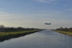 Beluga XL 140219_DSC2962 (Leslie Platt) Tags: exposureadjusted straightened lookingnw riverdee airbus hawardenairport broughtonfactory belugaxl landing